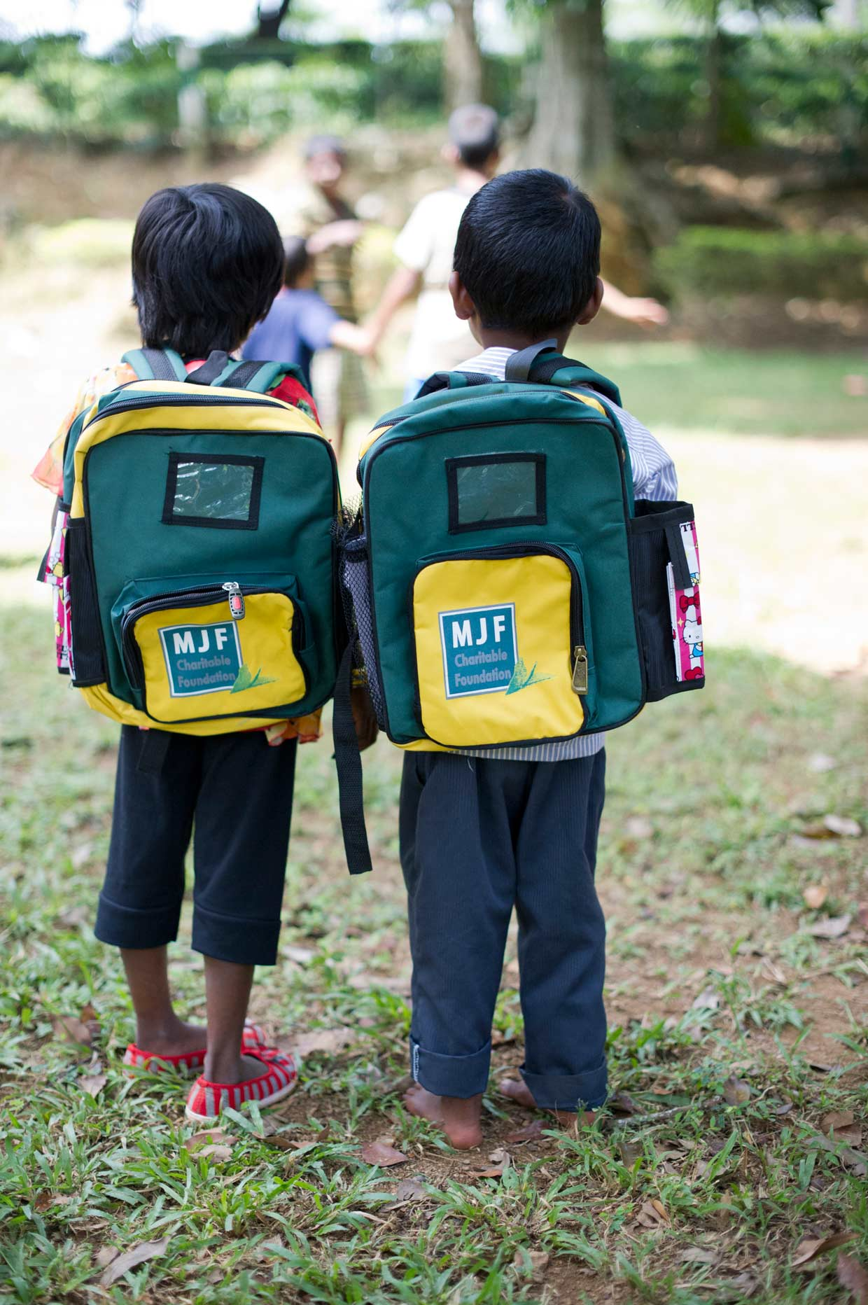 Every year, young children attending Dilmah sponsored nurseries in the plantations are provided with stationery and school bags for their new term. This is an ongoing effort of the MJF Charitable Foundation.