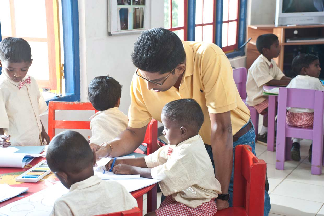 Providing preschool facilities for young children in the plantation sector is part of Dilmah's commitment to making business a matter of human service! Malik, older son of the Dilmah Founder with children at one of the plantation Child Development Centres.