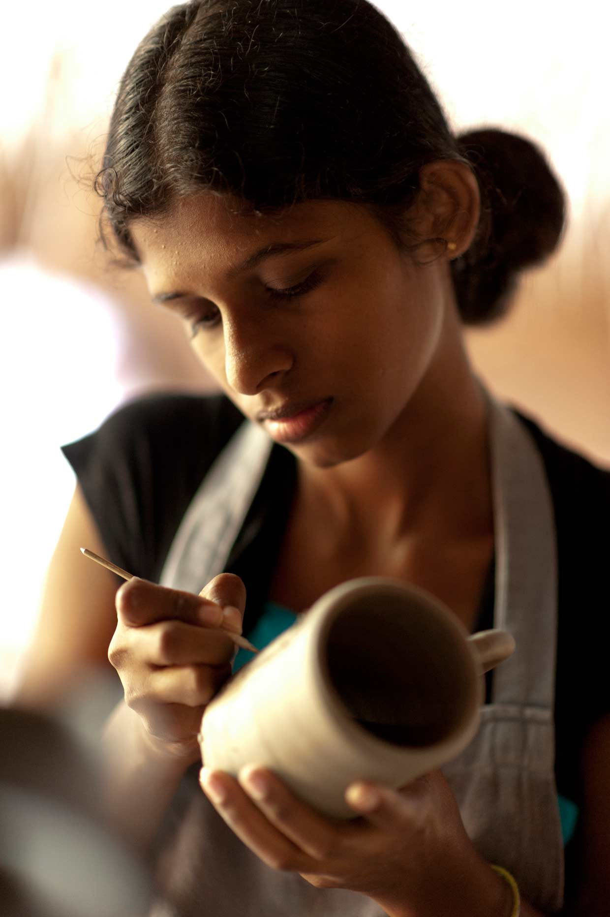 Empowering a rural community of potters to live better lives through the efforts of Mankada – the Merrill J. Fernando Centre for Arts and Crafts in the village of Udawalawe in south eastern Sri Lanka since 2007.