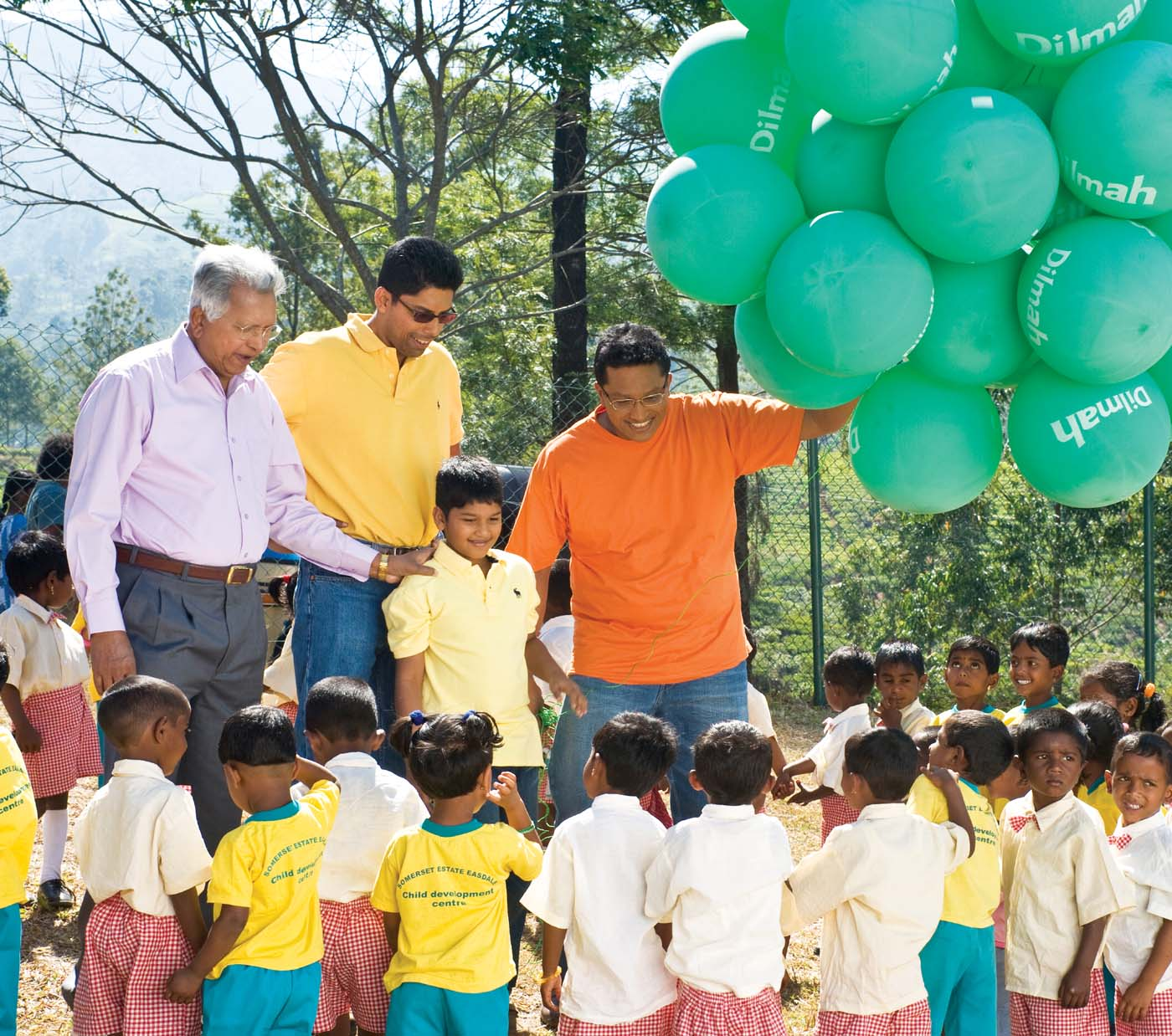 Nurturing children on Dilmah plantations is a family effort for Merrill and his sons. With preschool students of the Somerset Estate Child Development Centre where children under the age of 5 receive daily care and nutrition.